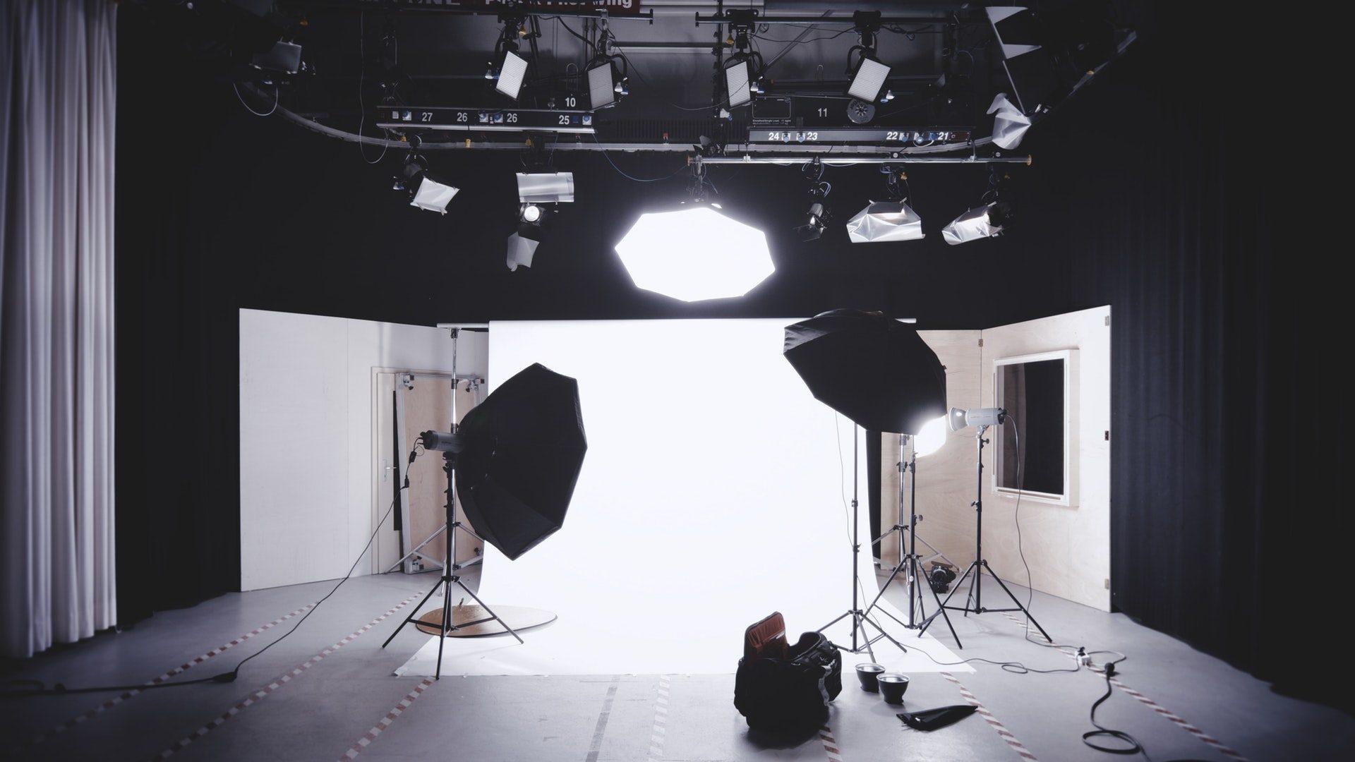 Hangtechnika és fénytechnika